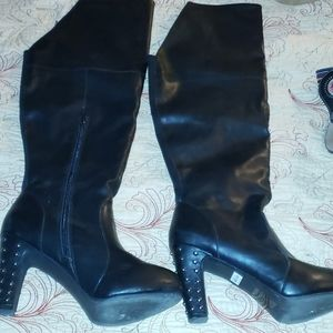 BLACK OVER THE KNEE BOOTS SIZE 9